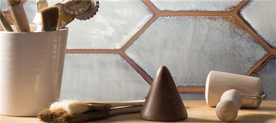 ΧΕΙΡΟΠΟΙΗΤΑ στο manetas.net με ποικιλία και τιμές σε πλακακια μπάνιου, κουζίνας, εσωτερικου και εξωτερικού χώρου cerasadra-cotto-glamour-1.jpg