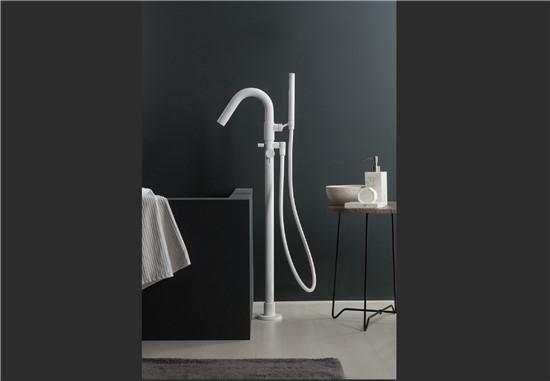 ΜΠΑΤΑΡΙΕΣ στο manetas.net με ποικιλία και τιμές σε πλακακια μπάνιου, κουζίνας, εσωτερικου και εξωτερικού χώρου ritmonio-bathshower.jpg